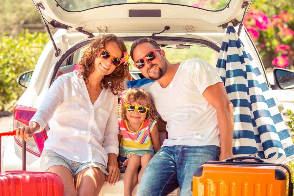 Comment bien préparer votre voiture pour un long trajet ?