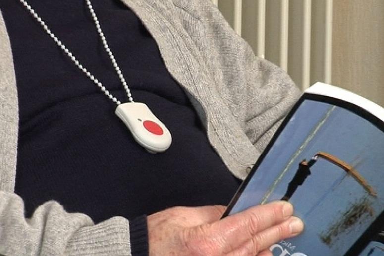 Prévenir les chutes des personnes âgées : le détecteur de chute sénior
