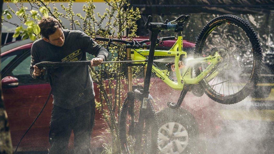 Tout ce qu'il faut savoir pour bien nettoyer son vélo