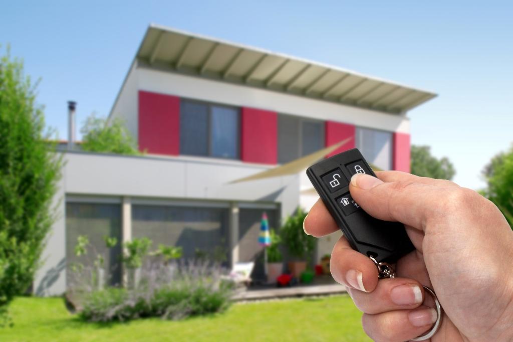 Comment sécuriser la maison avant de partir en vacances?